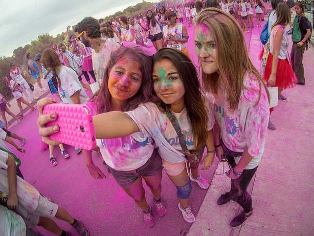 Holi Selfie