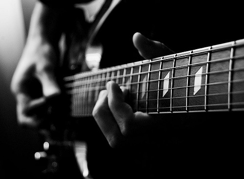 How To Play Basic Songs On A Guitar