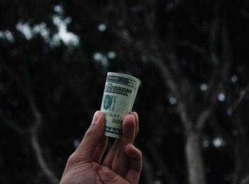 5 Money Management Habits Every Graduate Should Learn